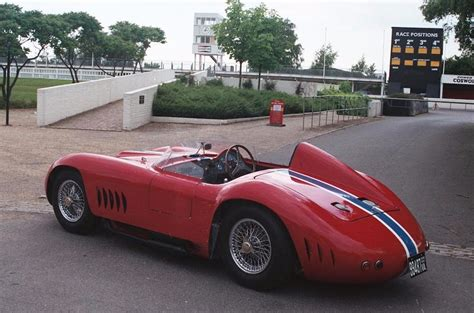 maserati 350s tom meade an americano in italia doing what all of us