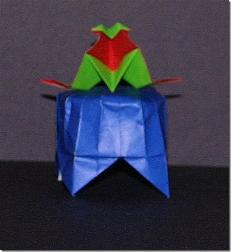Origami Transformer - circus pedestal display stand favor origami
