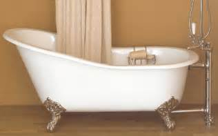 image of a cast iron clawfoot tub