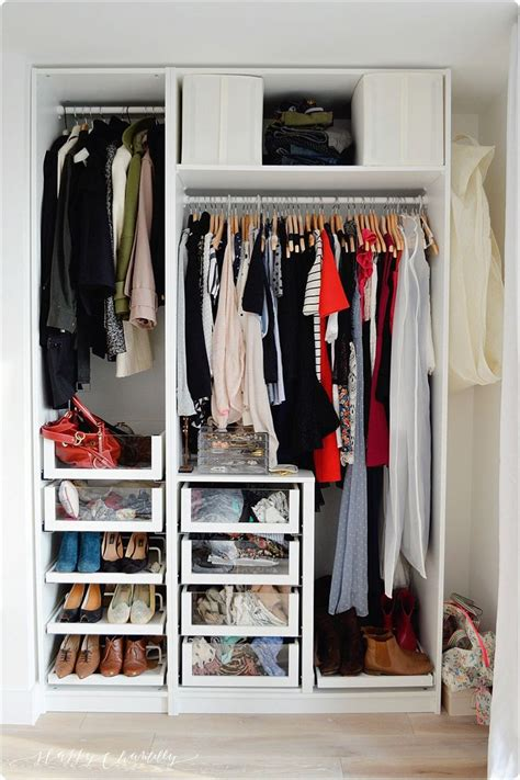 garde robe minimaliste les 25 meilleures id 233 es de la cat 233 gorie garde robe