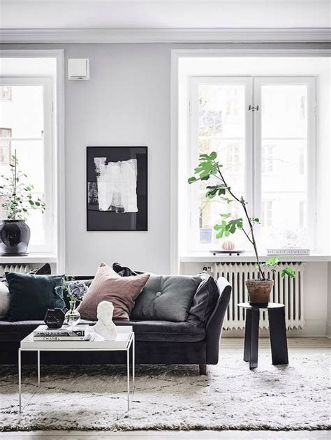 living room ideas with black leather sofa 25 best ideas about black leather sofas on pinterest