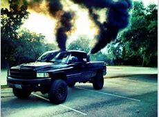 Smoke a little Smoke Lifted Duramax Diesel Blowing Smoke