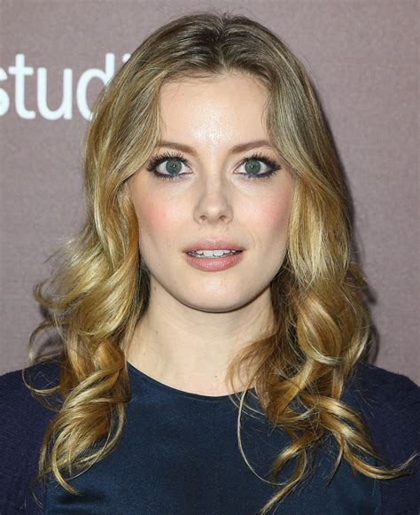 gillian jacobs long curls gillian jacobs looks stylebistro