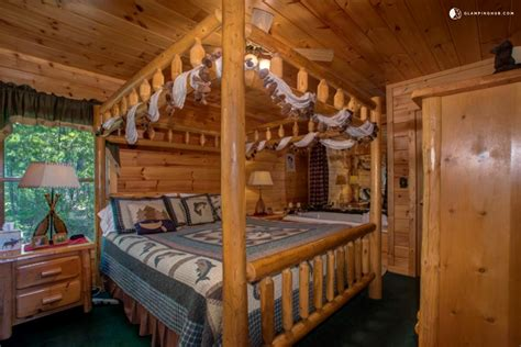 Cabin Rentals In Sevierville Tn by Rustic Cabin Overlooking Mountains Near Sevierville Tennessee