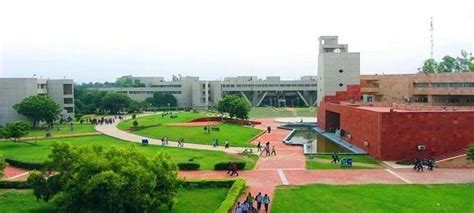 Dtu Mba East Delhi Cus by How Is Dtu As Compared To Iit D Quora