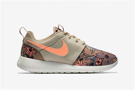nike floral sneakers nike floral sneakers 28 images nike roshe customized