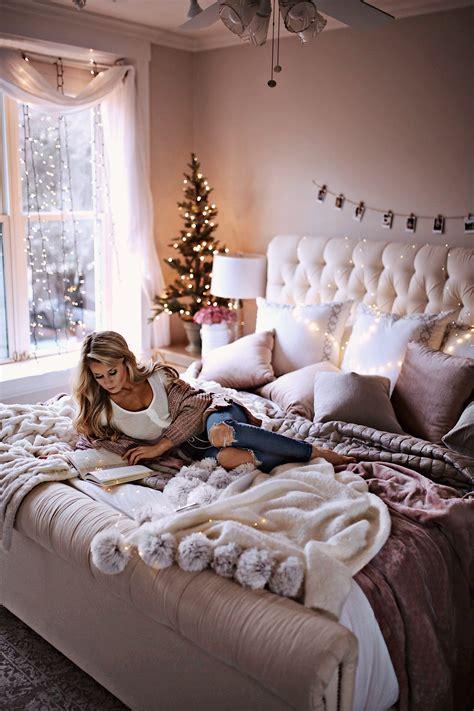 holiday decor ideas   bedroom   olivia