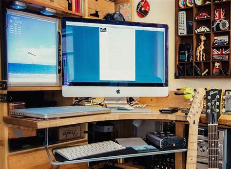 Photographers Desk Setup Mac Setup The Imac Studio Of A Photographer Musician