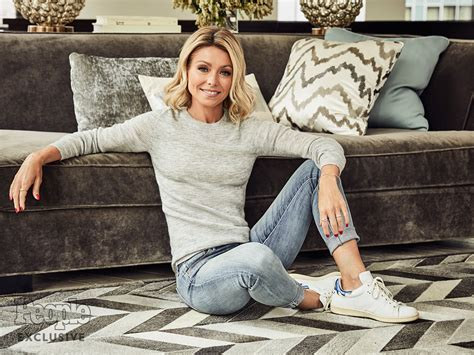 kelly ripa among tvs disposable women after michael kelly ripa talks michael strahan live exit people