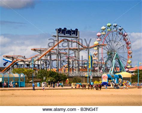 theme park lincolnshire the fun fair and rides at skegness beach uk stock photo