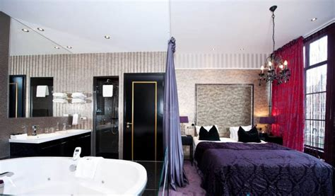 Hotels With Jacuzzis In The Room by Hotels With In Room Eccentric Hotels