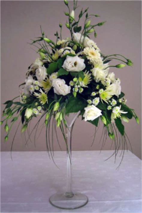 Martini Glass Vase Flower Arrangement by Flowers In A Martini Glass Martini Glass Arrangement