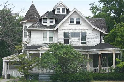 buy a house for free prime for renovation save this old house ohio queen anne for free this old house