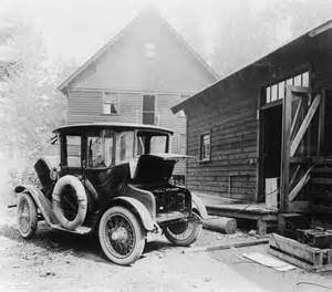 History Of The Electric Car In America Electric Car Charging In 1905 Pic