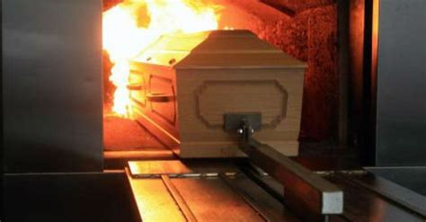 how much does it cost to cremate a cost of cremation services and how do you cremate a green burial