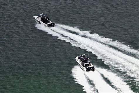 driving boat in florida self driving boats the next tech transportation race