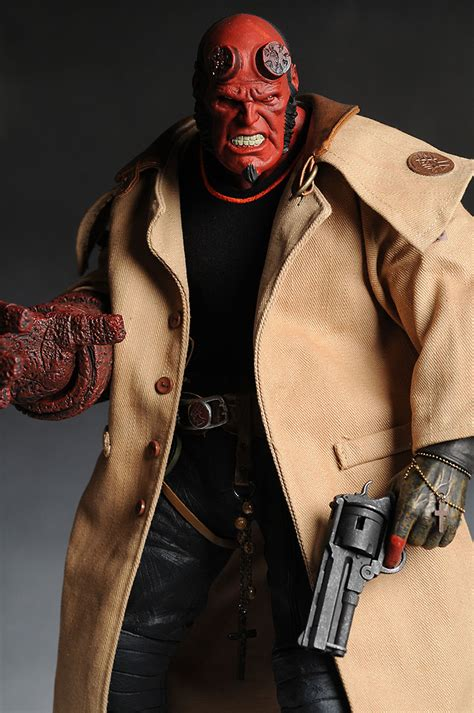 Hellboy 18 Inch Mezco deluxe 18 inch hellboy from hellboy ii another pop culture collectible review by michael