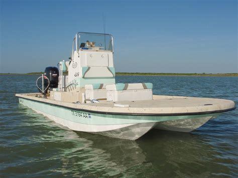 split hull boat the tran sport svt 24