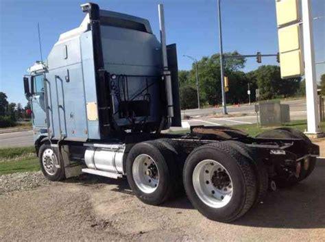 kenworth   sleeper semi trucks