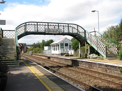 Acle railway station   footbridge and  © Evelyn Simak cc