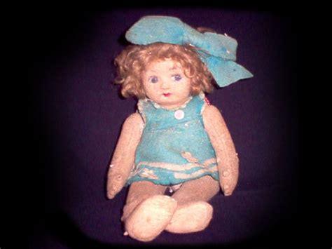haunted doll reddit 犠牲者多数 世界の呪われた物ベスト5 血で描いた絵 死の指輪 occult ja