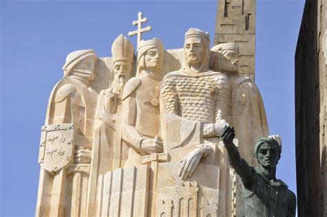 la batalla de las navas de tolosa panoramio photo of monumento de la batalla de las navas de tolosa 1212
