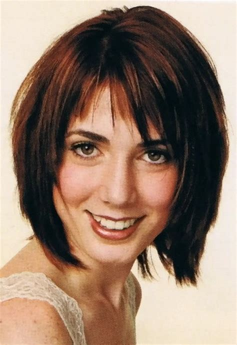 Flattering Haircuts For Oblong Faces | short haircuts for oblong faces