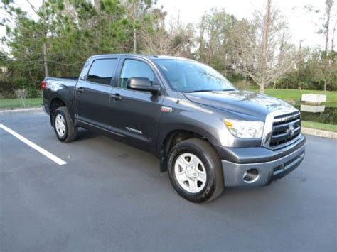 buy used 2012 toyota tundra truck crew max cab 6 speed automatic electronic w overdrive in find used 2012 toyota tundra crewmax pickup 4 door 5 7l v8 low mileage tons of space in