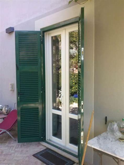 finestre con persiane persiane e inferriate di sicurezza infissi vaccher