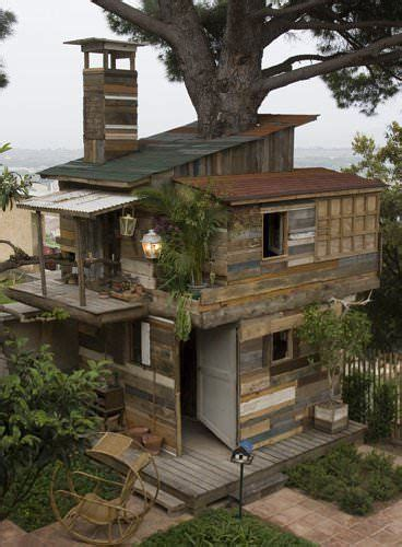 25 best ideas about recycled house on