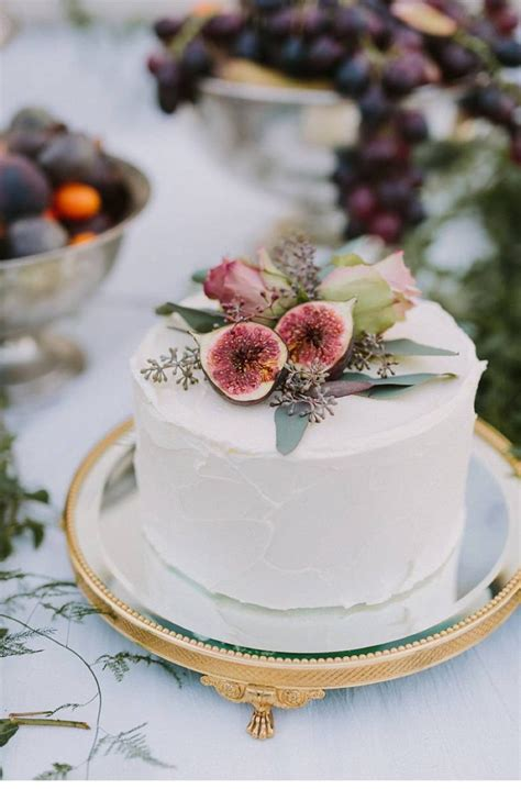 Wedding Cakes For Small Weddings by 15 Small Wedding Cake Ideas That Are Big On Style