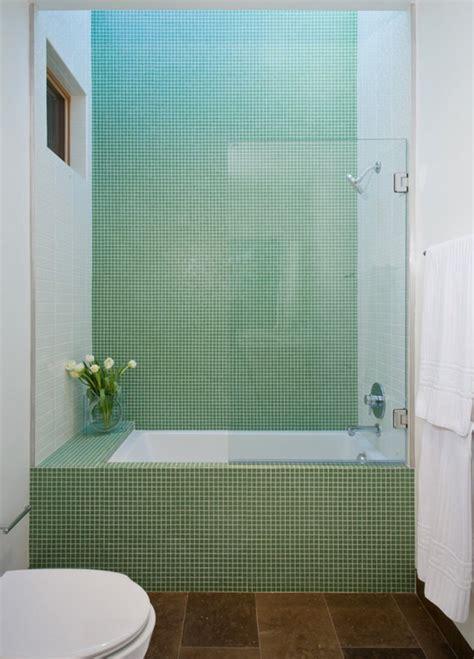 rivestimenti per bagno piccolo bagno con pavimenti e rivestimenti in mosaico 100 idee