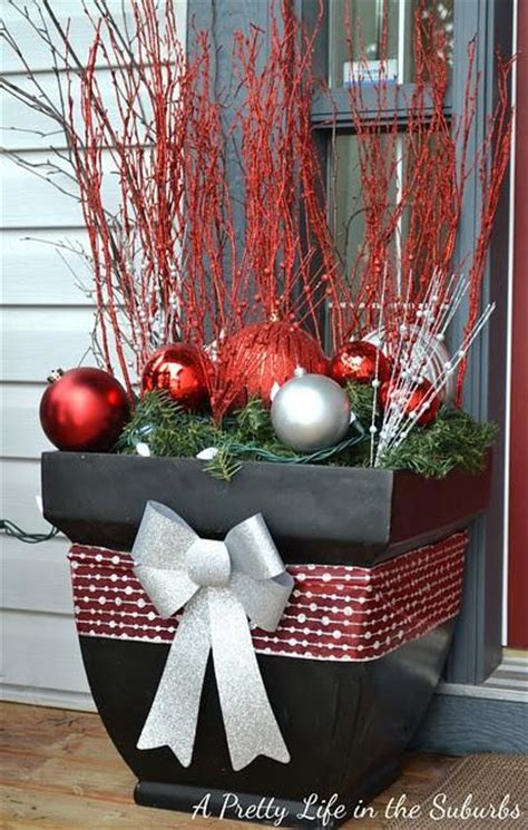 Diy Outside Decorations by 27 Diy Outdoor Decorations To Light Up Your Home