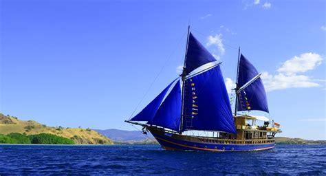 moana dive boat moana classic komodo liveaboard scuba diving boat