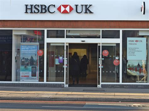 hsbc bank image mr ms or mx hsbc bank offers trans customers gender neutral titles the independent