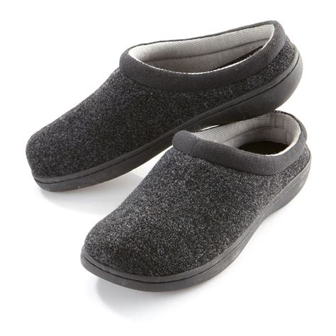 tempur pedic slippers retail stores men s tempur pedic tempur cloud slippers at brookstone buy
