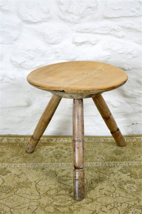 Large Amount Of Stool by 19thc Sycamore Dairy Stool Antiques Atlas