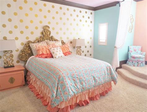 mint and gold bedding best 25 coral mint bedroom ideas on pinterest coral