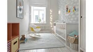 d 233 coration d une chambre pour b 233 b 233 en gris et blanc