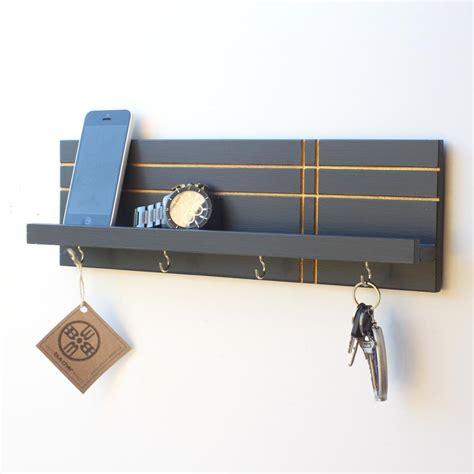 wall key holder with shelf