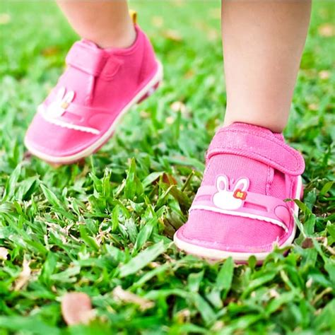 Sepatu Untuk Anak Tcny006 tips pilih sepatu untuk balita
