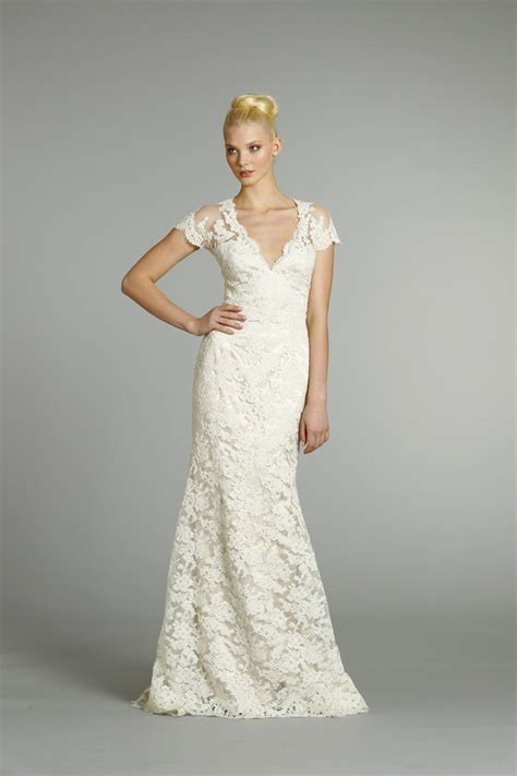vintage lace wedding dress with cap sleeves   Sang Maestro