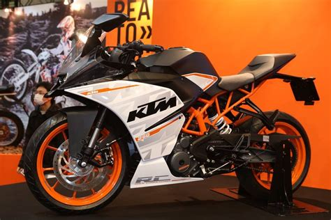 ktm vs honda ktm rc 250 vs honda cbr 125r