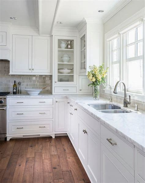 Best Benjamin Moore White For Kitchen Cabinets by The 25 Best Ideas About Coastal Kitchens On Pinterest