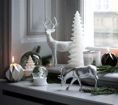 weihnachten  skandinavien deko kraenze und kerzen