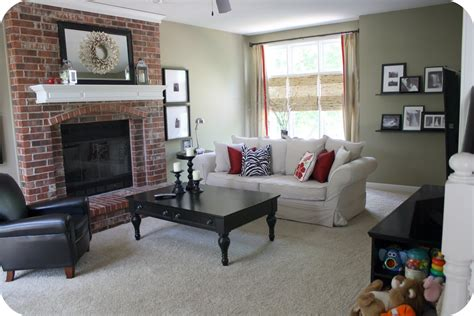 red paint colors for living room what color to paint living room with red brick fireplace