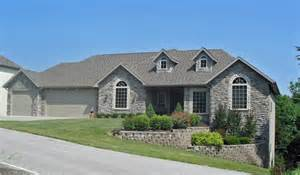 homes for in branson mo 6 bedroom luxury home in stonebridge branson mo