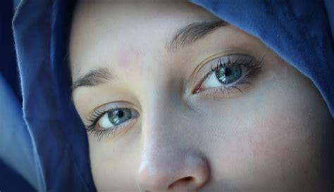 tattoo di mata islam mengagumi kecantikan muslim mata biru keturunan portugis