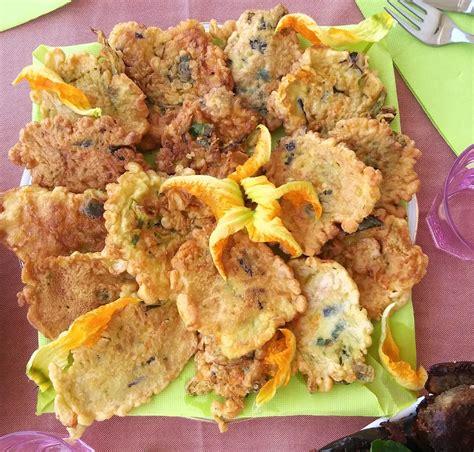 frittelle con i fiori di zucca frittelle di fiori di zucca la ricetta di fulltravel it