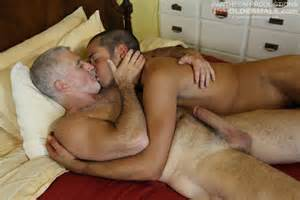 gaydemon blog hairy bears and mature men grey haired daddy fucking